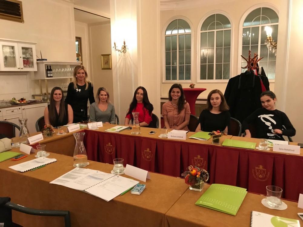Školení etikety pro ženy v businessu