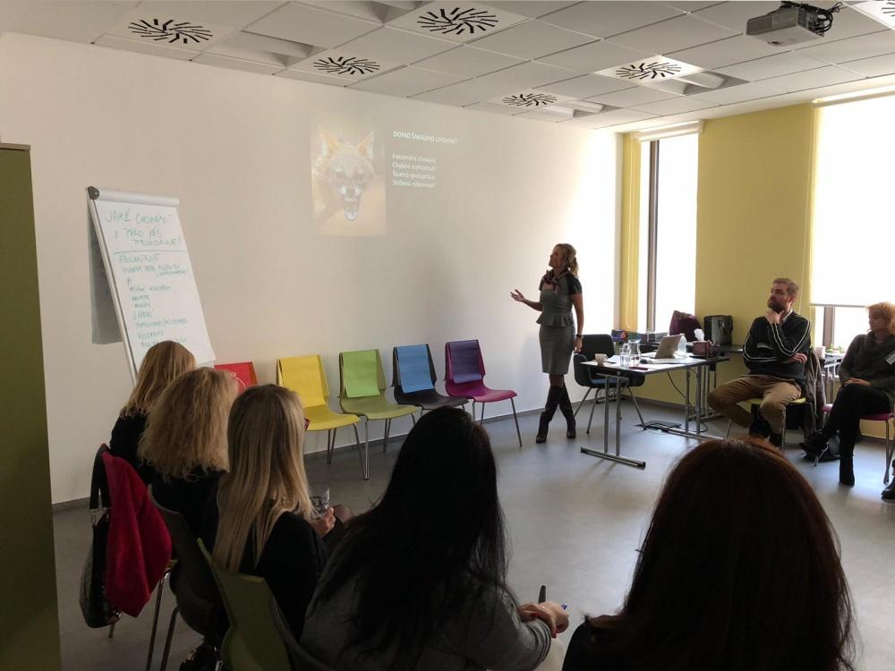 Proběhl celodenní workshop 5 CHAIRS / 5 ŽIDLÍ v Praze